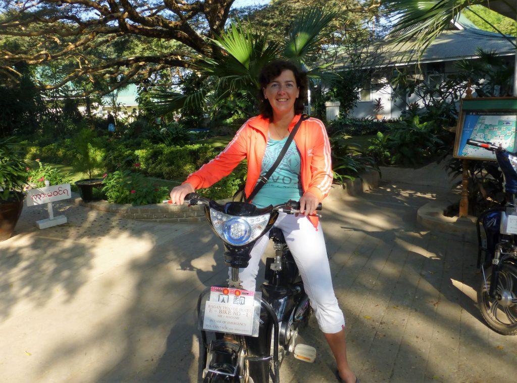 Elektrische fiets in Bagan, Myanmar