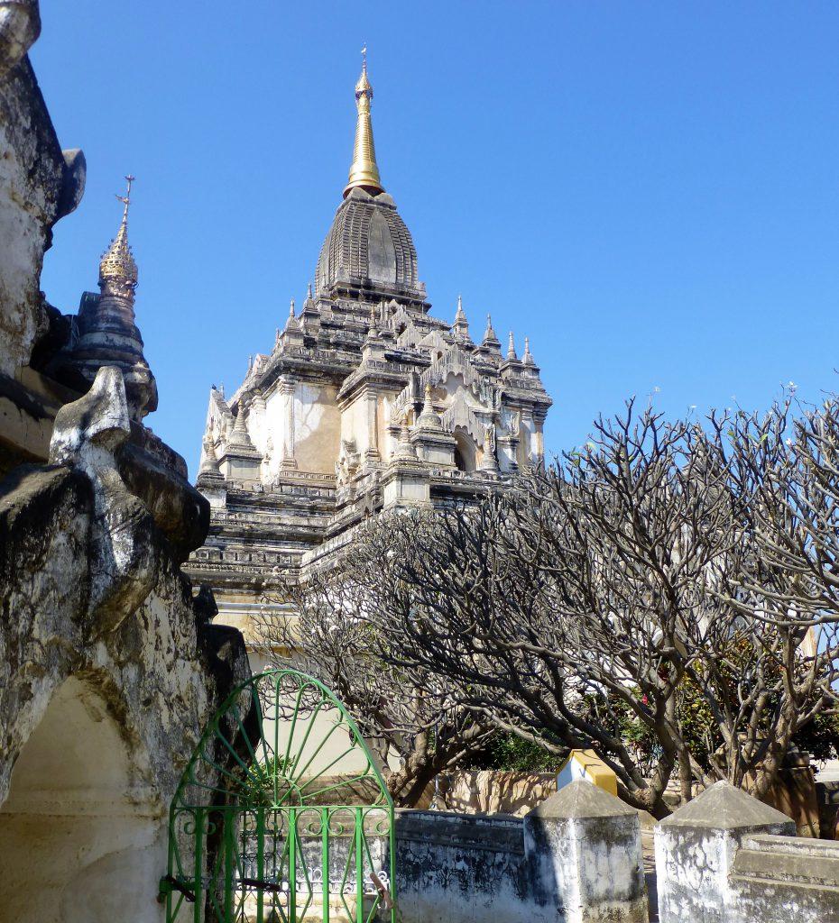 Thabinnyu = The Omniscent - Bagan, Myanmar