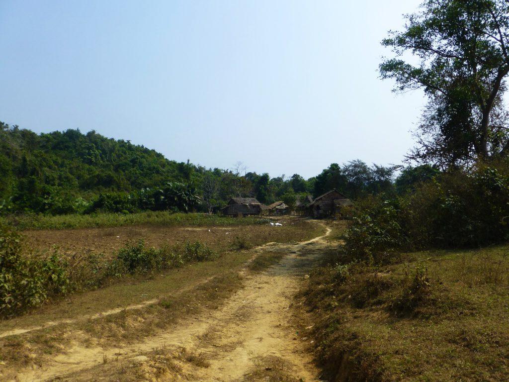 Vissersdorp bezoeken nabij Chaung Thar - Myanmar