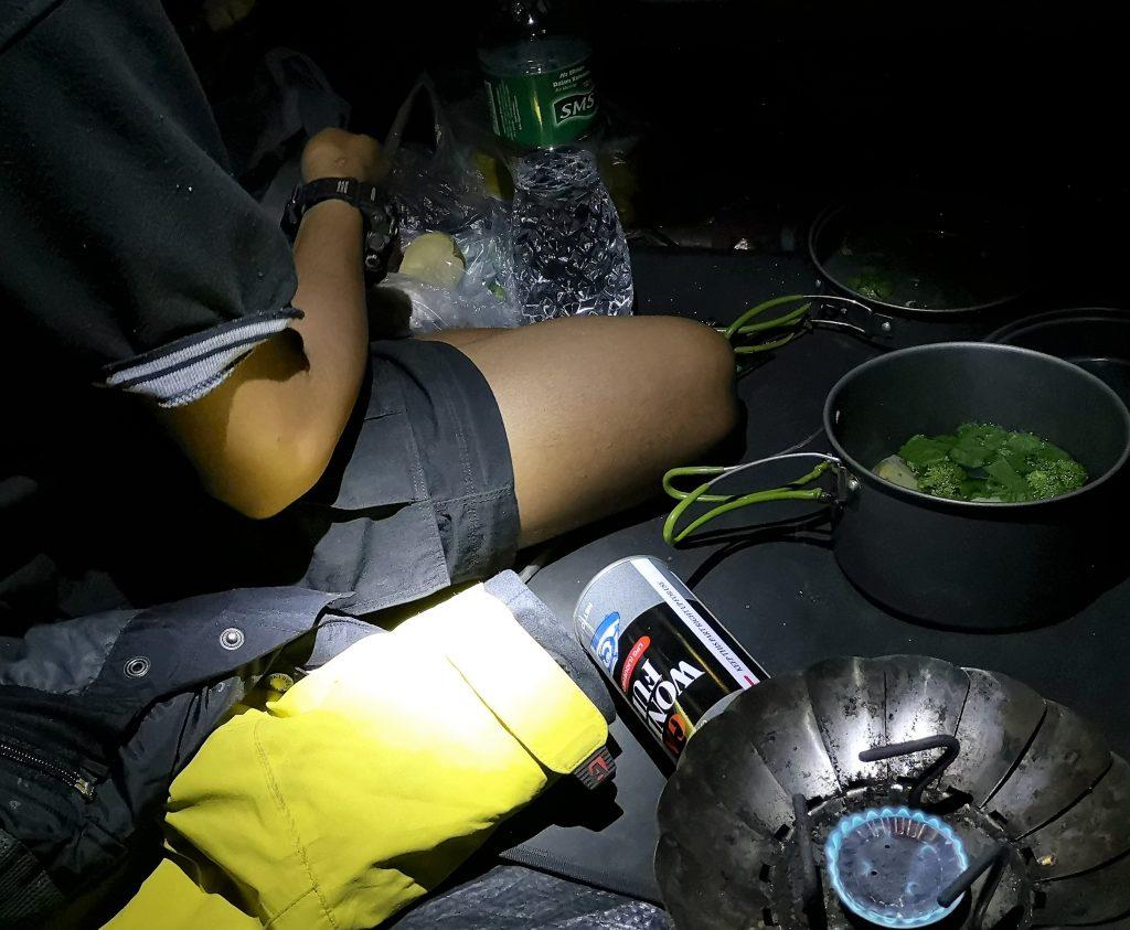 Kamperen en eten, Sumatra, Indonesie