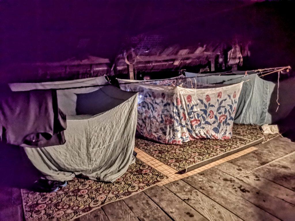 Onze slaapplek bij sjamaan Pange - Sumatra, Indonesie