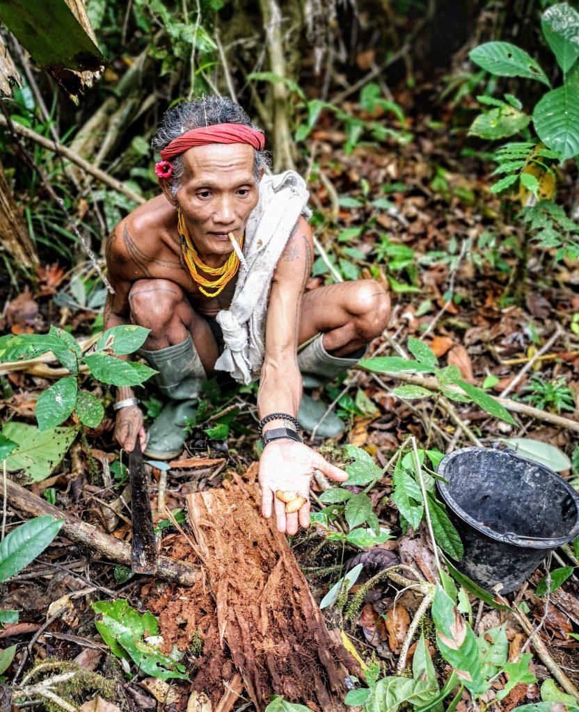 Sjamaan Gresik op de Mentawai Eilanden
