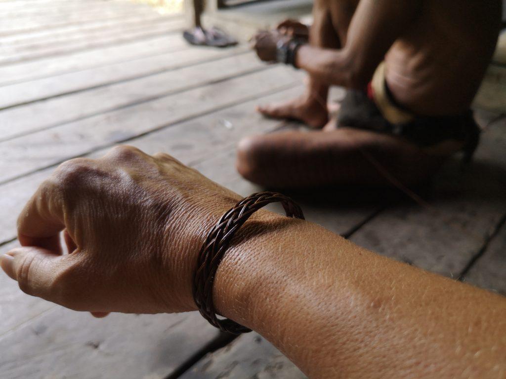 Armbandje gemaakt door Sjamaan Gresik