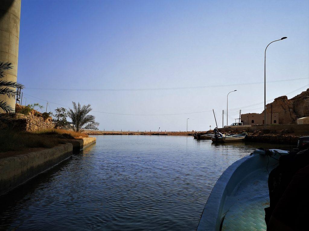 Op weg naar de Wadi Shab - Oman