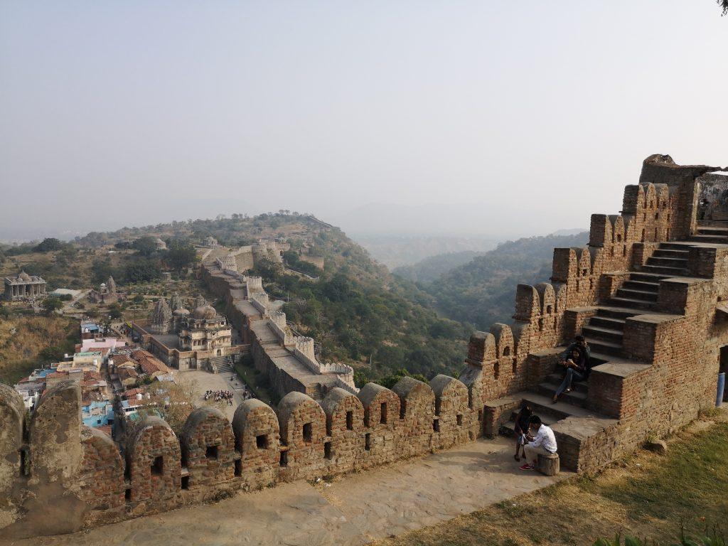 Khumbalgarh Fort en Ranakpur Tempel