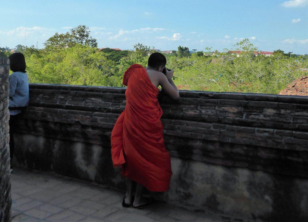 Fietsen naar Wat Worachettharam