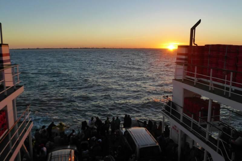 Perikelen op de Veerboot van Barra naar Banjul
