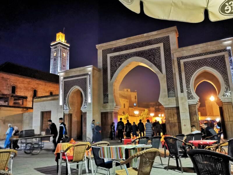 De avond in de Souks van Fes, Marokko