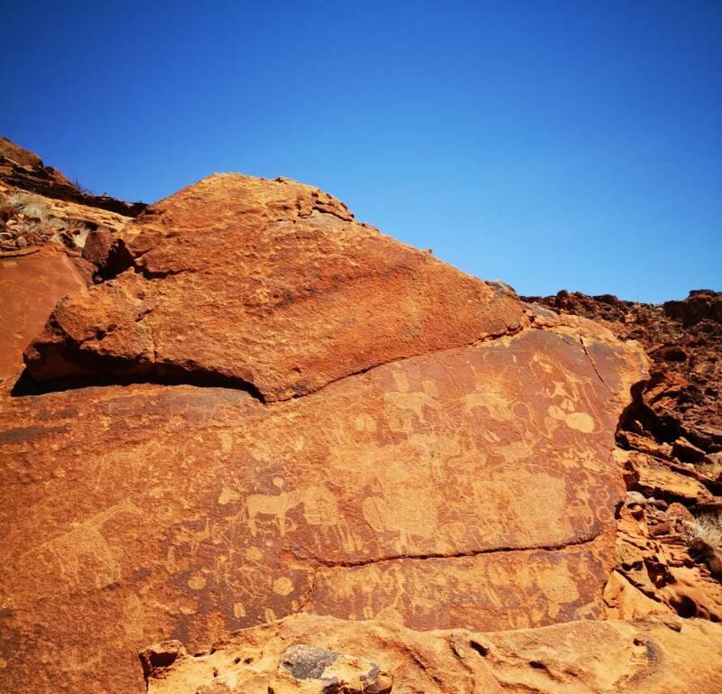Rotstekeningen Twyfelfontein - natuur erfgoed van Namibië