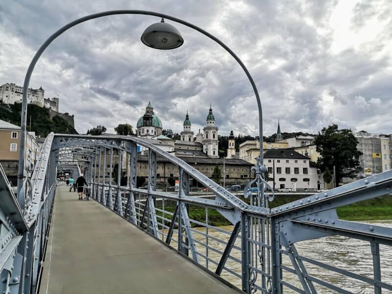Mozartbrug in Salzburg Oostenrijk